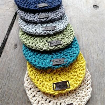 Crochet coaster set colour option