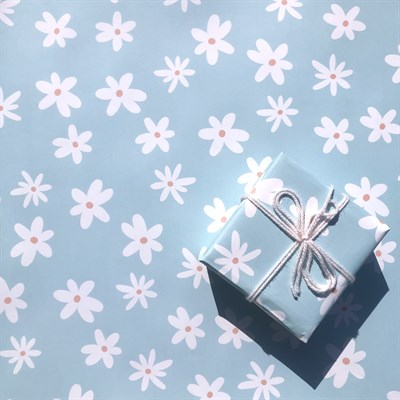 Daisy print wrapping paper / gift wrap