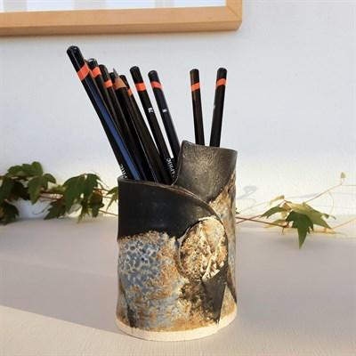 Dartmoor series small stoneware vase #2 emphasising wrap detail