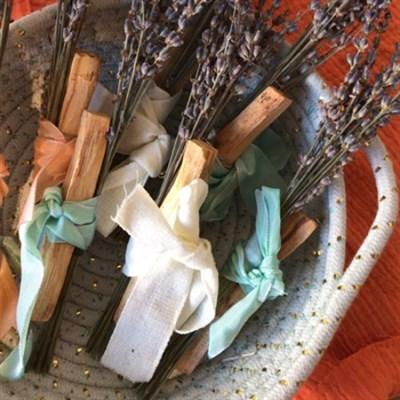 Palo Santo & Dried Lavender Wand profile