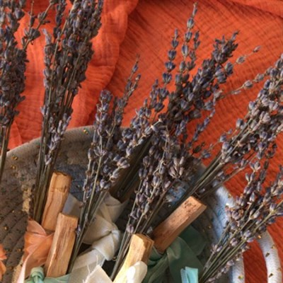 Palo Santo & Dried Lavender Wand details