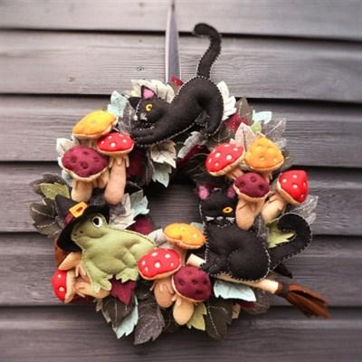 Witches' Friends Autumn Halloween Wreath