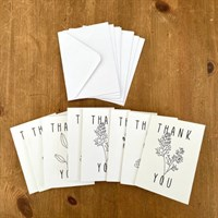 8 Cards, including 8 envelopes to match