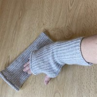 Cashmere Fingerless Mitts Gloves in Grey