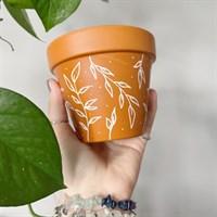 Dainty White Leaf 11cm Terracotta Pot