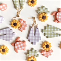 Gingham earring collection