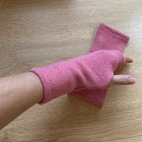 Woollen Fingerless Mitts Dusky Pink